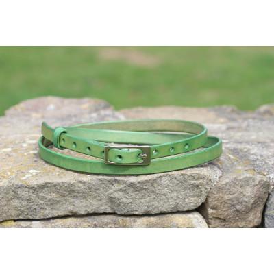 Tenký dámský zelený kožený opasek
