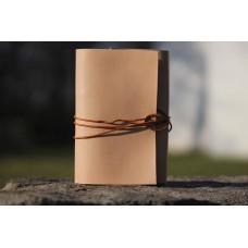 Minimalistický deník z přírodní kůže
