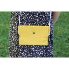 Žlutá kapsička přes rameno