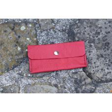 Červená kapsa, pouzdro