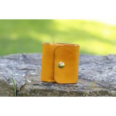Žlutá kožená peněženka - menší