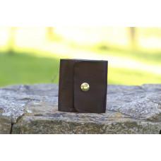 Tmavě hnědá kožená peněženka